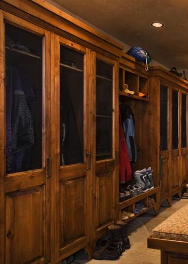 Custom made log lockers